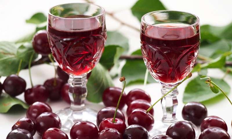 вред и польза вишневой настойки
