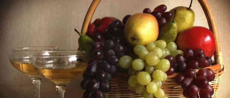 Виноград с яблоками