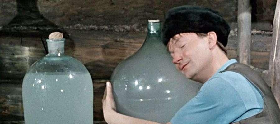 Как правильно выгнать самогон без запаха